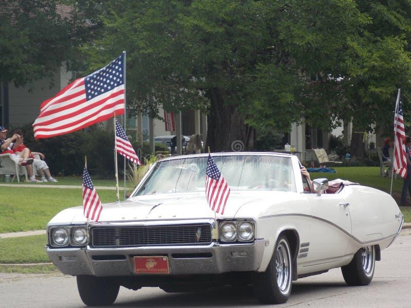 Классический автомобиль в параде стоковое изображение rf