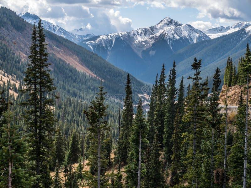 Классический пейзаж скалистой горы стоковое фото rf