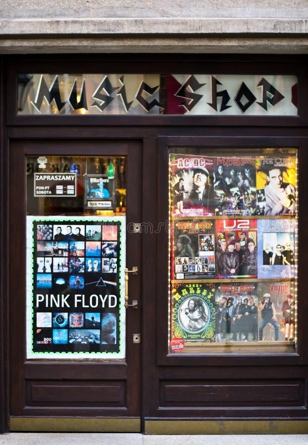 Классический утес меньший магазин в Cracow Польше стоковое изображение rf