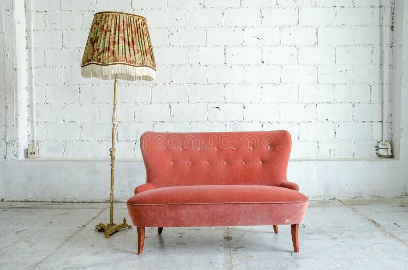 Классическое кресло софы кресла стиля стоковое изображение