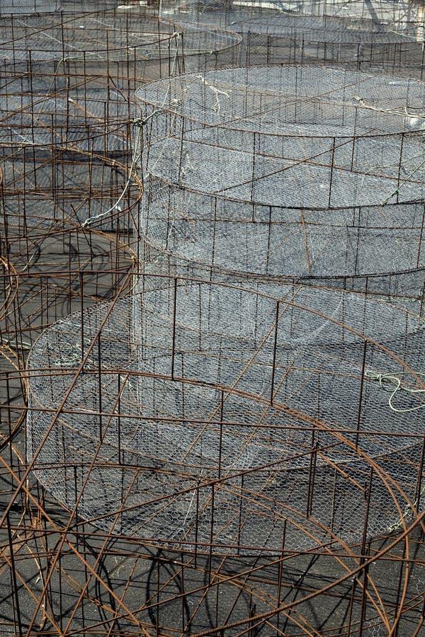 Клетки сельского хозяйства рыб для разводить в открытом море стоковое фото