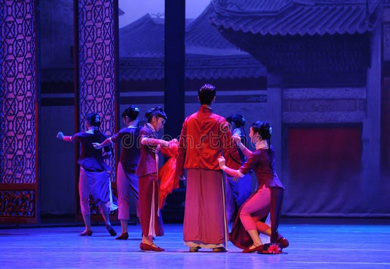 К жениха платья- поступку сперва событий драмы-Shawan танца прошлого стоковое изображение