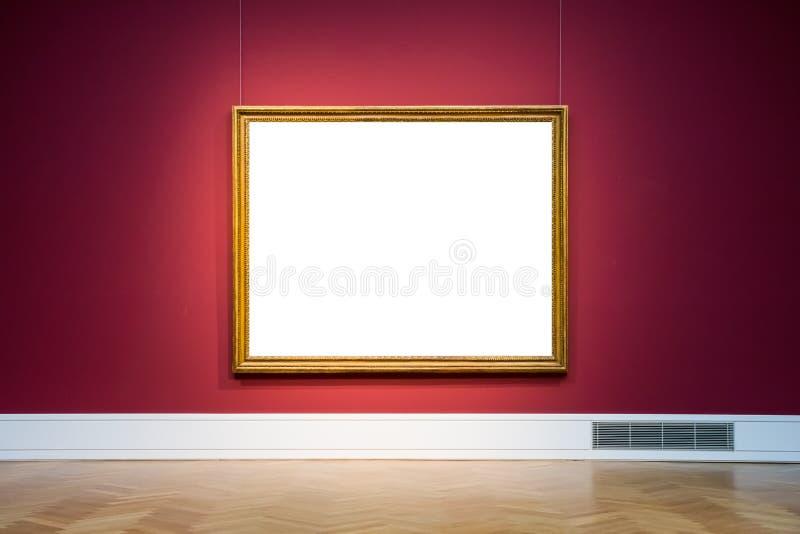 Клиппирование дизайна стены рамки музея изобразительных искусств красной богато украшенной изолированное белизной стоковое фото