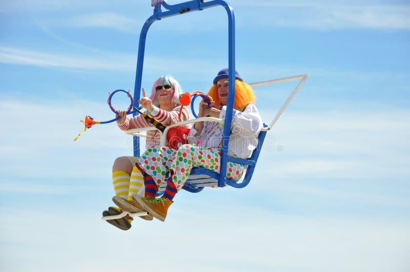 Клоуны на езде неба стоковая фотография