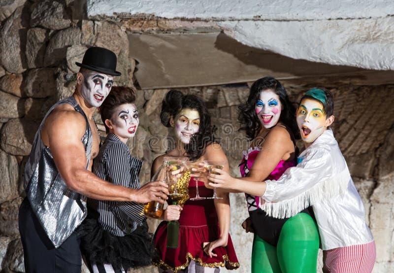 Клоуны Cirque с Мартини стоковое фото