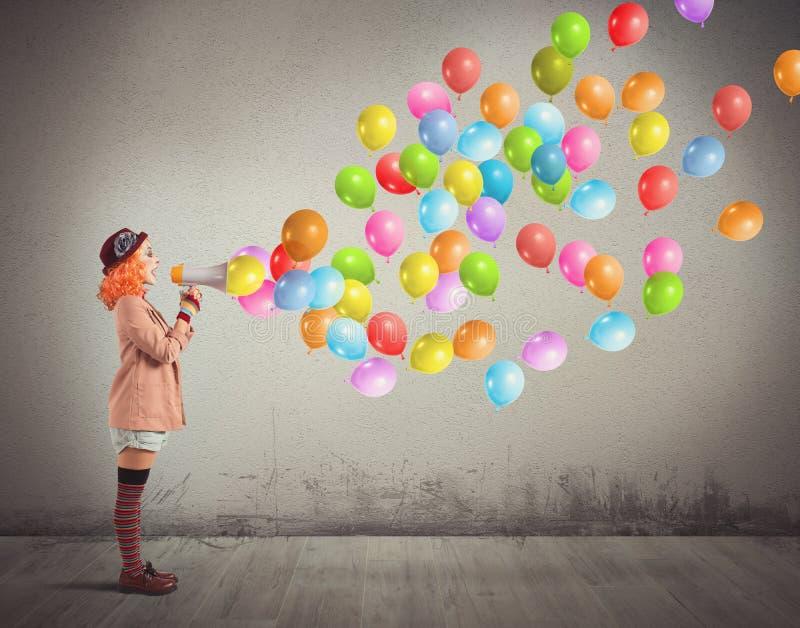 Клоун screams воздушные шары стоковые фотографии rf