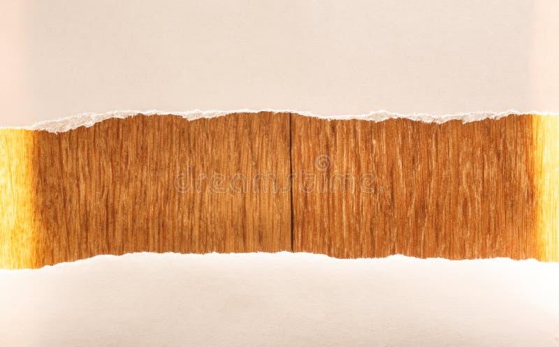 Клочковатые куски бумаги как предпосылка стоковые изображения rf