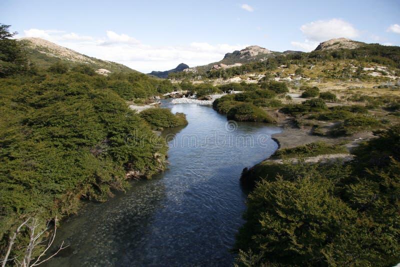 К реке в Патагонии стоковая фотография rf