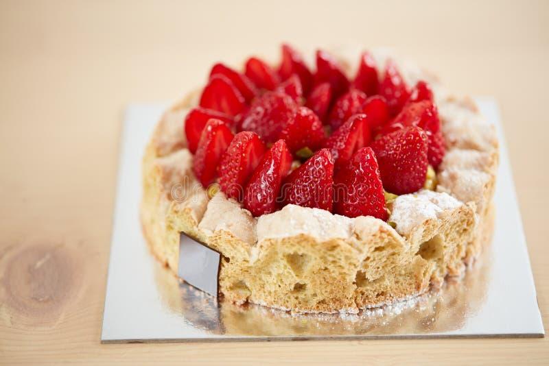 клубника десерта торта близкая вкусная вверх стоковые изображения rf