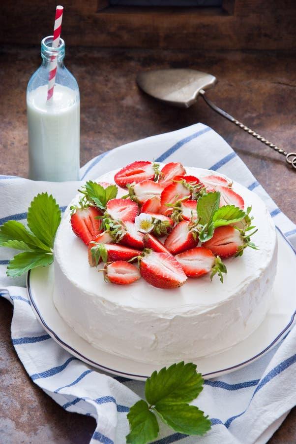 клубника торта вкусная стоковые изображения rf