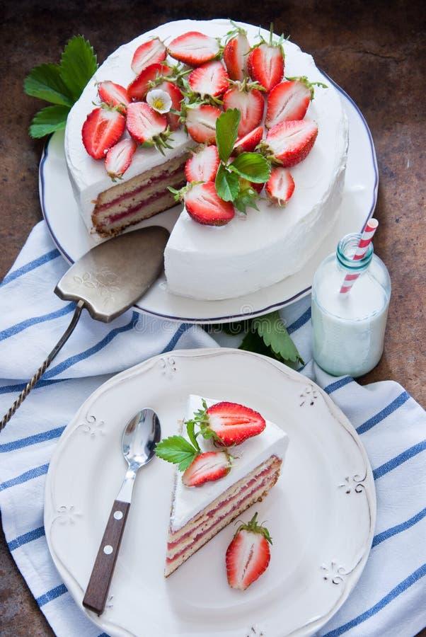 клубника торта вкусная стоковое фото rf