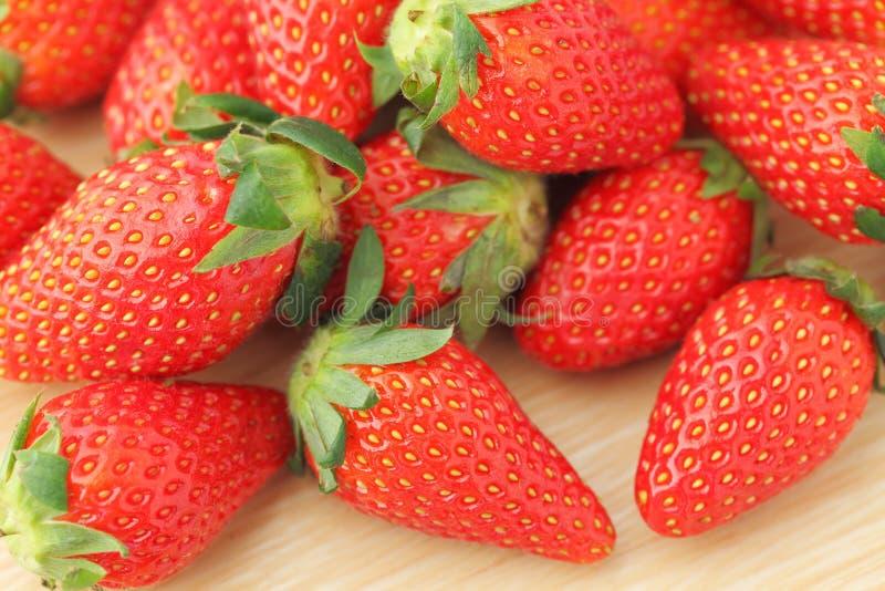 Download Клубники стоковое фото. изображение насчитывающей fruity - 33737462