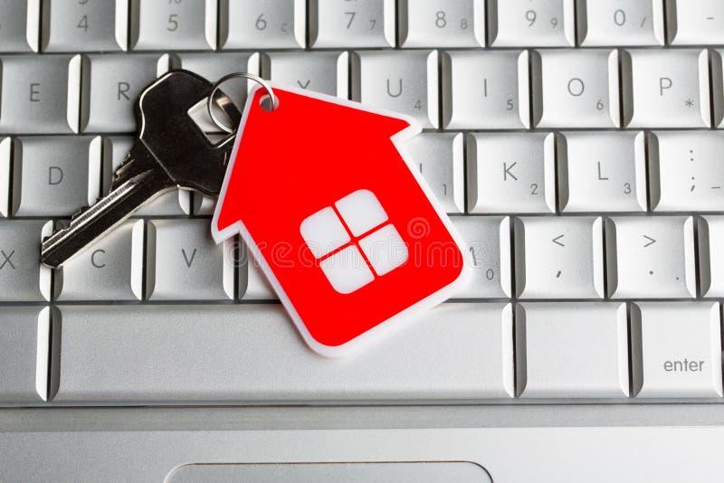 ключ дома имущества принципиальной схемы реальный стоковое изображение rf