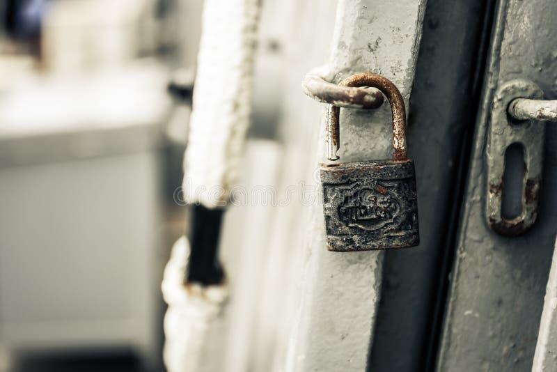 Ключ старого профессора стоковые фотографии rf