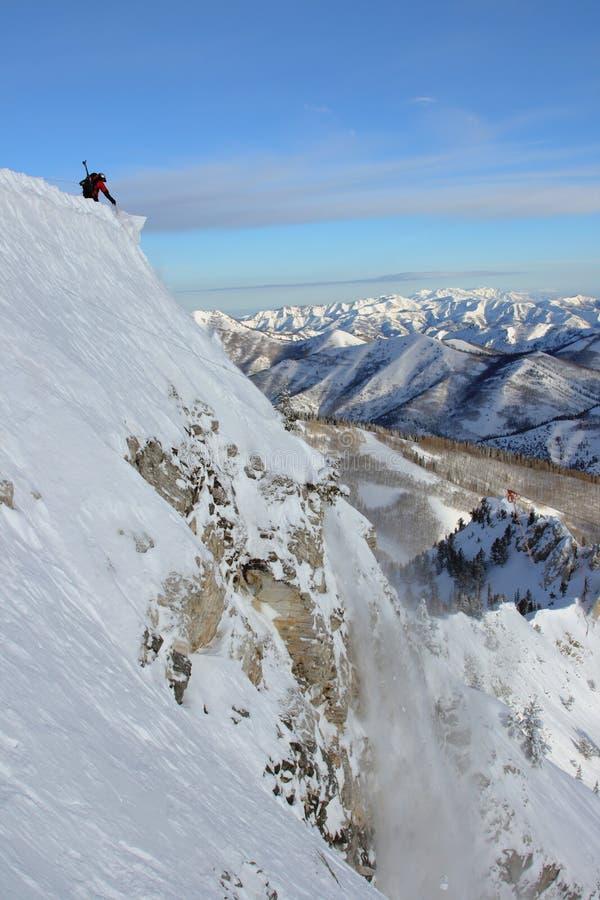 лавины контролируя лыжу патруля стоковые фотографии rf