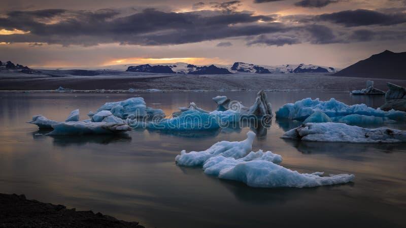 Лагуна ледника, Jokulsarlon, Исландия стоковое фото rf