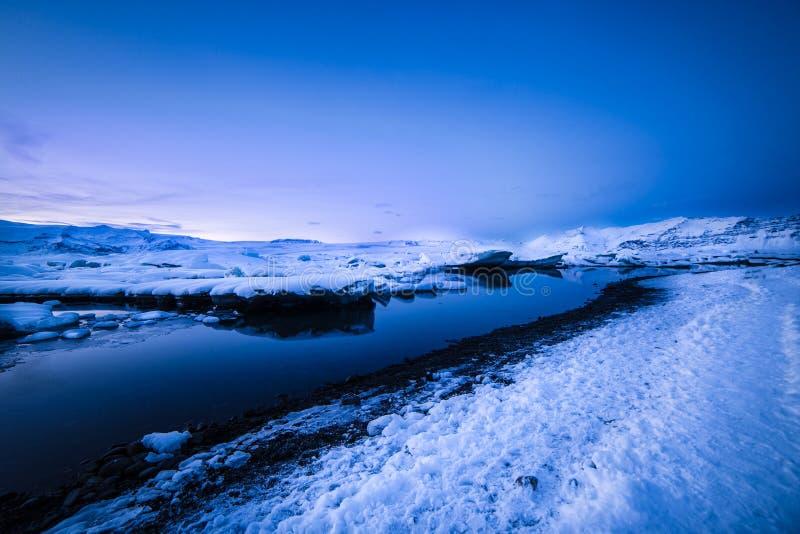 Лагуна ледника исландских естественных интересов эффектная стоковая фотография rf