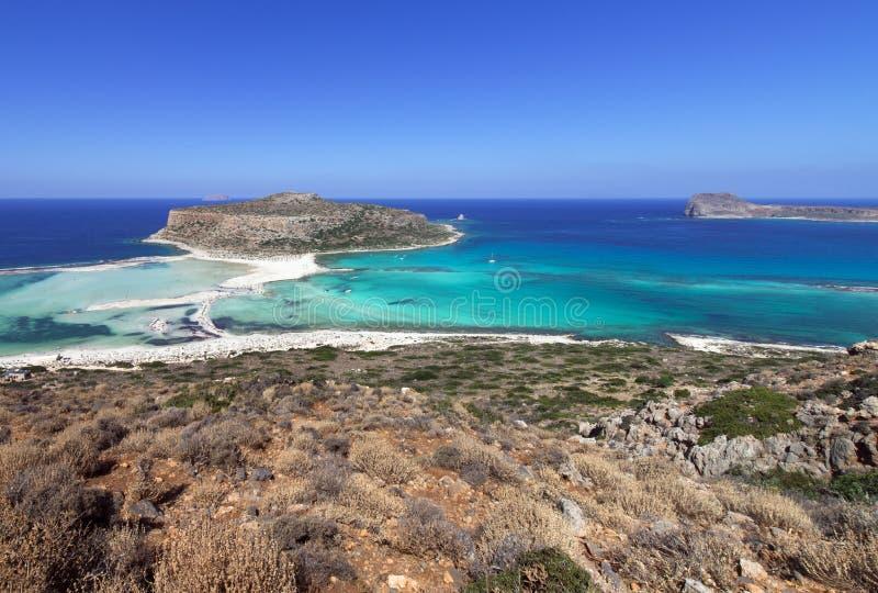 Лагуна Balos, рай и ослабляя пляж с кристально ясной водой и белым песком на острове Крита, Греции стоковое фото rf