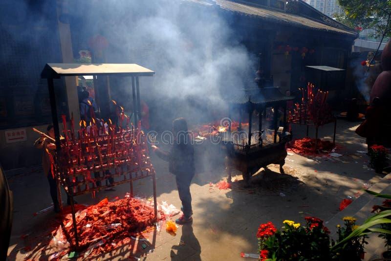 Ладан горя на виске стоковое изображение