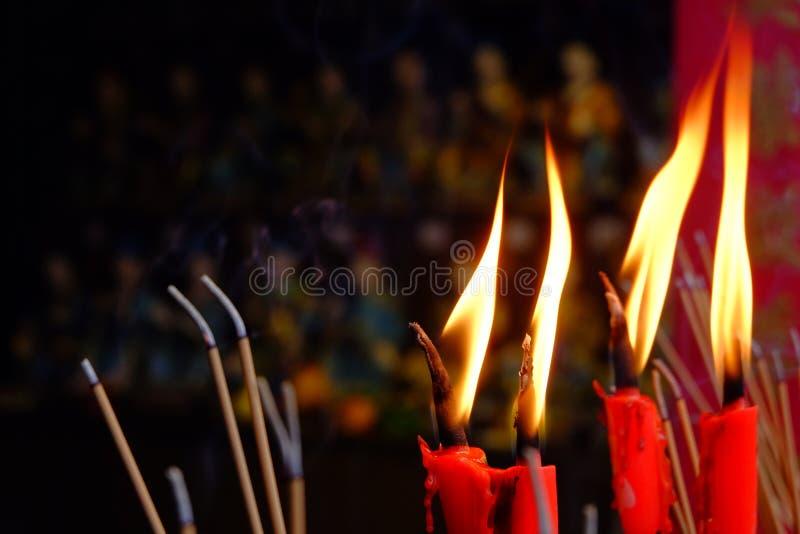 Ладан горя на виске стоковое изображение rf
