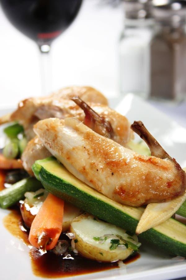 лакомка тарелки цыпленка стоковое фото rf
