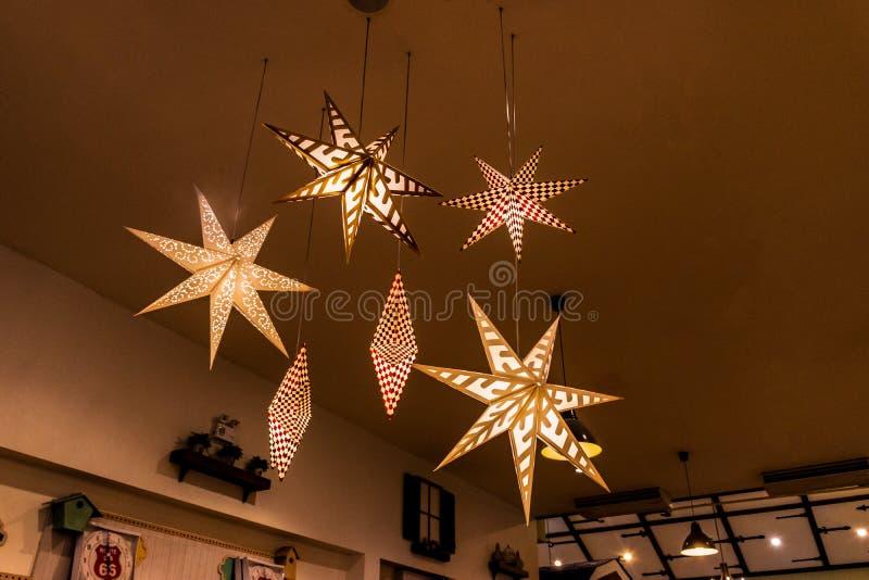 Лампа звезды форменная с винтажным украшением стоковое изображение rf