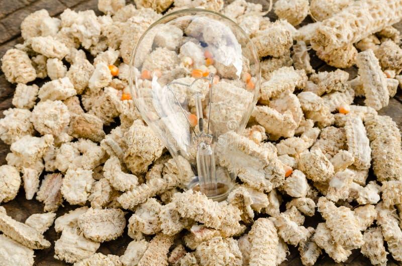 Download Лампа на ударе стоковое изображение. изображение насчитывающей удар - 33738233