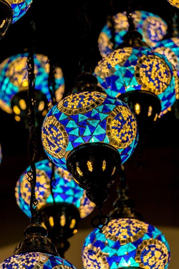 Лампа Стамбула, голубой тон, красочная лампа стоковое изображение rf