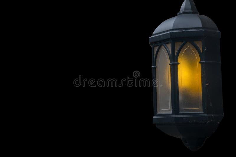 Лампы освещают вечер прикрепленные в дом стоковые изображения