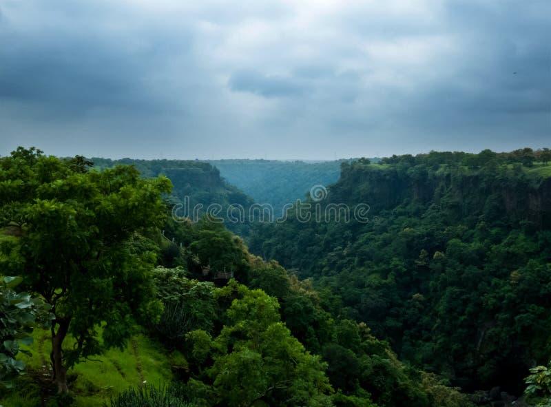 Ландшафты зеленой долины или промоины Индии стоковая фотография rf