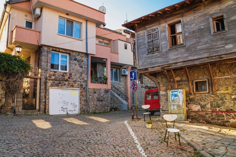 Ландшафт города - старые улицы и дома в балканском стиле стоковое изображение rf