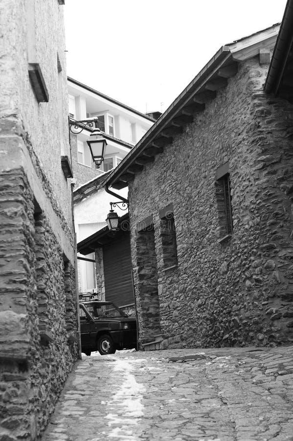 Ландшафт города - узкие переулки городка Ла Massana, княжества Андорры, Европы стоковые фотографии rf