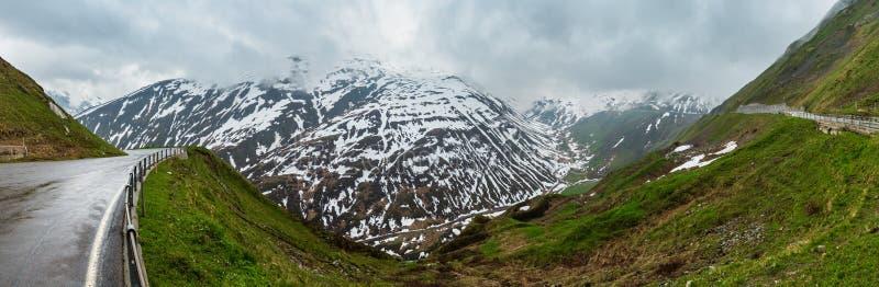 Ландшафт горы Альп весны швейцарский стоковая фотография rf