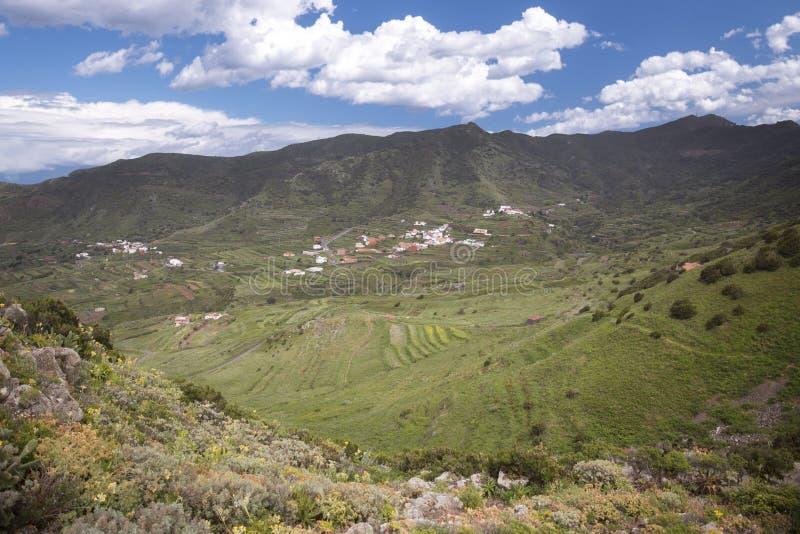 Ландшафт горы на тропическом острове Тенерифе стоковые изображения rf