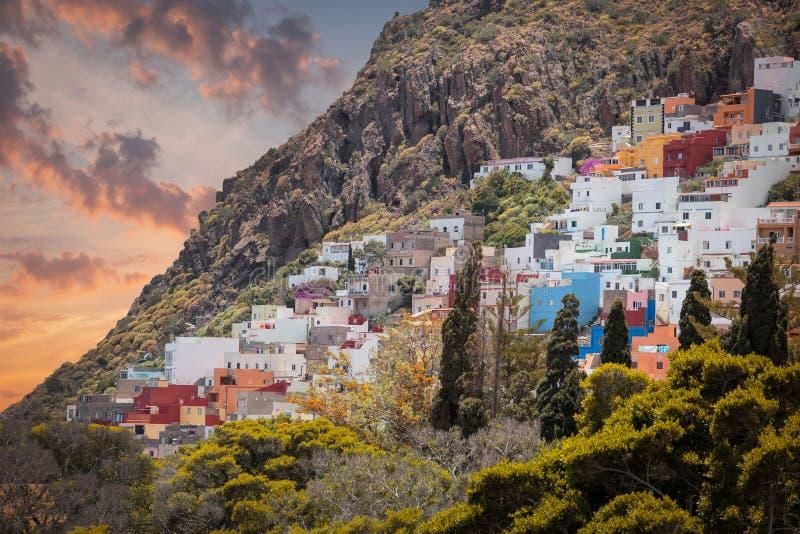 Ландшафт горы на тропическом острове Тенерифе стоковое изображение rf