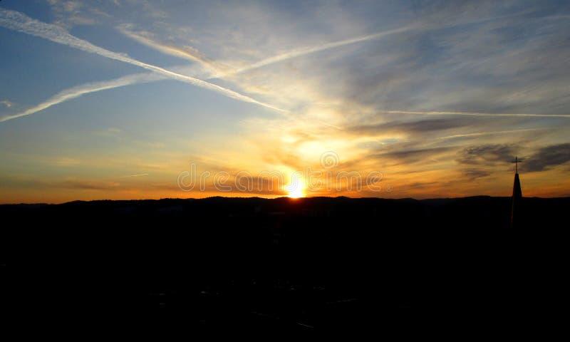 Ландшафт заходящего солнца стоковое изображение