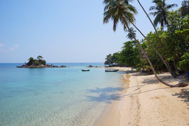 Ландшафт красивейшего тропического пляжа стоковые изображения rf