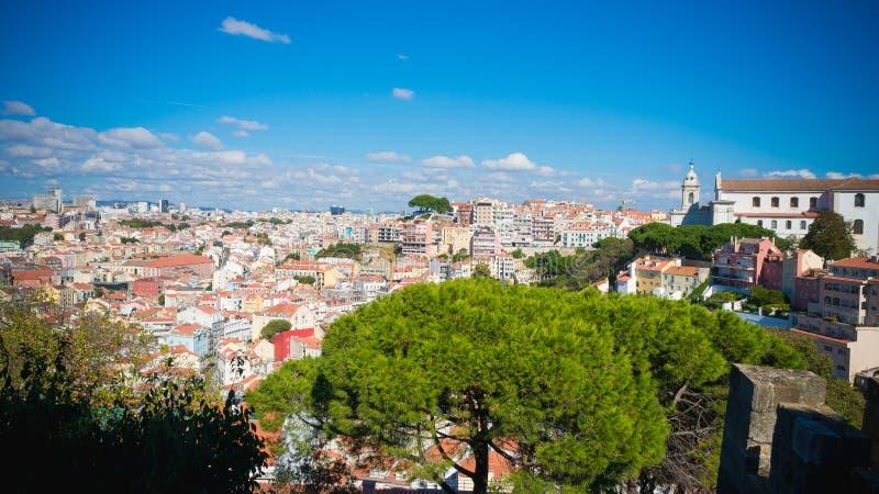 Ландшафт Лиссабона Португалии во дне стоковые фото