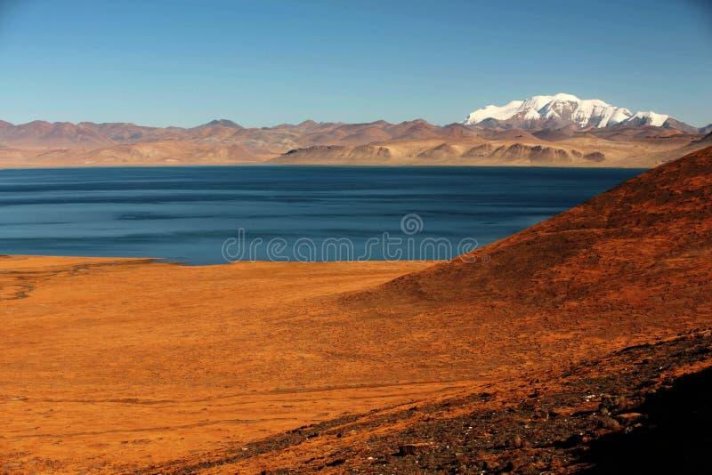Ландшафт озера Pumoyongcuo стоковое фото