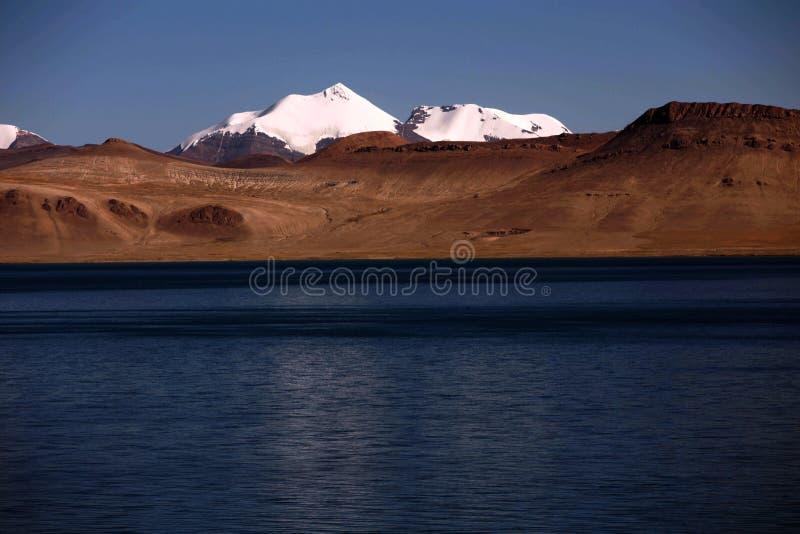 Ландшафт озера Pumoyongcuo стоковые фото