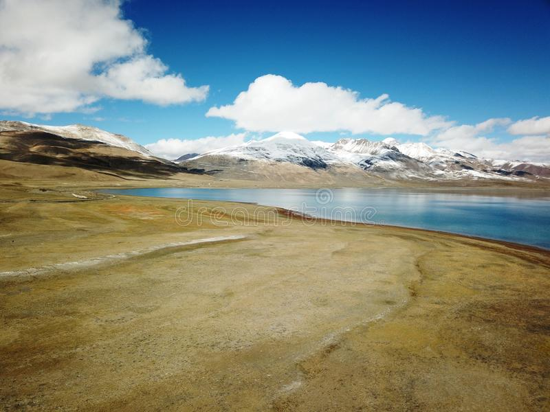 Ландшафт озера Pumoyongcuo стоковая фотография rf