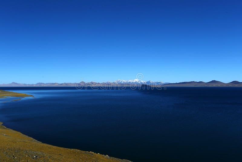 Ландшафт озера Pumoyongcuo стоковые фотографии rf
