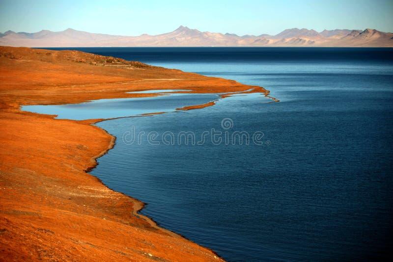 Ландшафт озера Pumoyongcuo стоковое фото rf