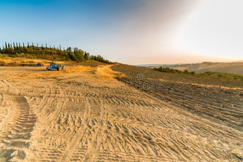 Ландшафт оранжевой сельской местности глины стоковая фотография rf