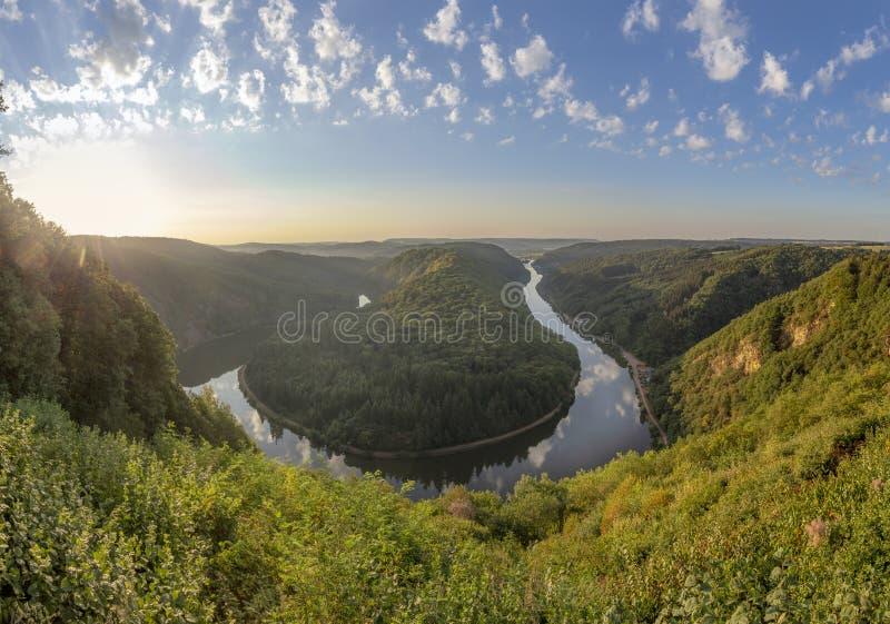 Ландшафт Саара с целью излучины реки Саара в семенозачатке стоковое фото