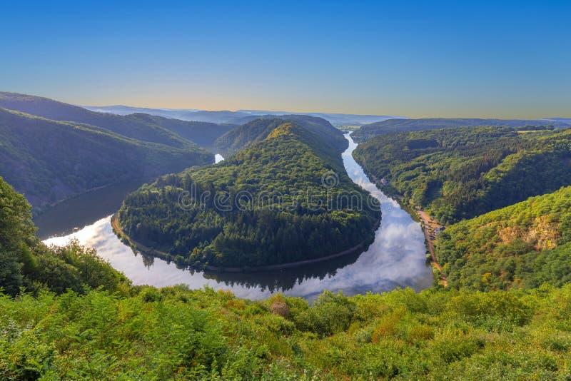 Ландшафт Саара с целью излучины реки Саара в семенозачатке стоковые фотографии rf