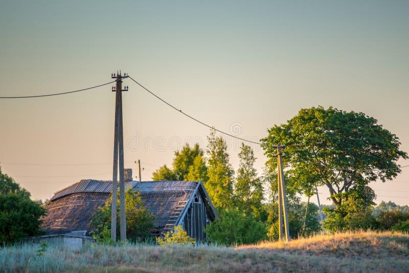 Ландшафт сельской местности деревянного дома стоковое фото
