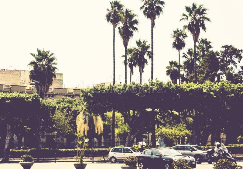 Ландшафт Сицилии, взгляд старых зданий в квадрате Сиракузы Siracusa, Сицилии, Италии стоковые изображения