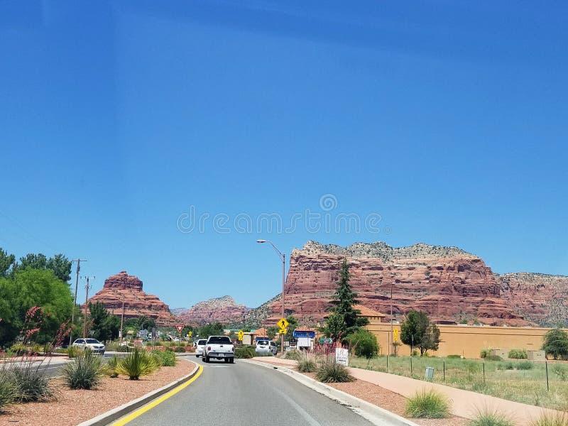 Ландшафт с дорогой в Аризоне США стоковое фото