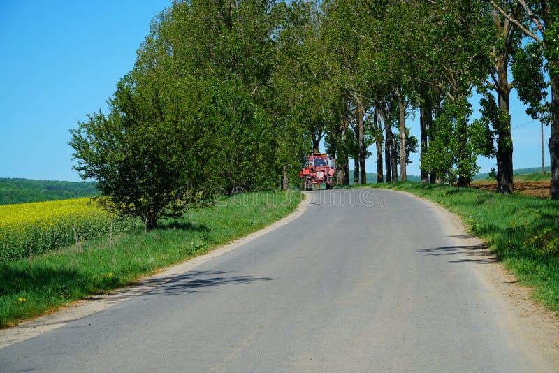 Ландшафт с причаливая трактором стоковое фото